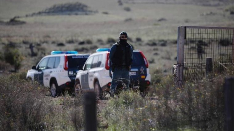 Imagen de la Guardia Civil custodiando el lugar donde se ocultó el cadáver de Gabriel, en Almería