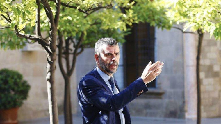 Santi Vila, al pati dels tarongers de la Generalitat de Catalunya