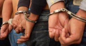Detinguts 3 individus per forçar 2 màquines de canvi de diners