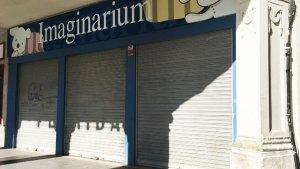 El local que havia ocupat Imaginarium a la plaça del Mercadal
