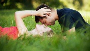 Este tipo de relaciones conllevan muchos obstáculos por la distancia.