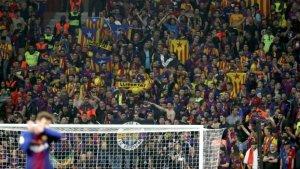 Imatge de la grada de l'estadi durant el partit de final de copa Barça-Sevilla