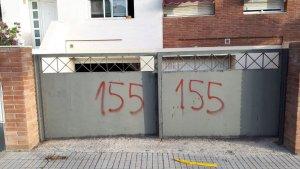 Imatge d'una de les pintades en domicilis independentistes de Vilafortuny.