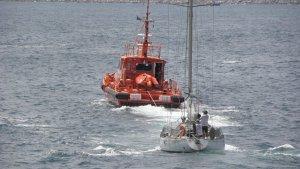 L'embarcació de Salvamar Castor al mig del mar.
