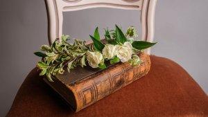 Los poemas de amor son perfectos para dedicarlos a tu pareja o ser querido.