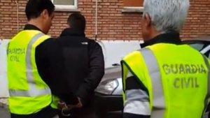 Momento de la detención del profesor de Málaga
