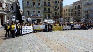 Trobada d'Avis i Àvies per la Llibertat a la plaça del Mercadal