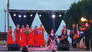 Una actuació musical en una edició passada de la Feria Rociera de l'Hospitalet de l'Infant.