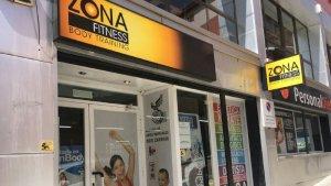 Zona Fitness es troba al número 6 del carrer Capella de Torredembarra