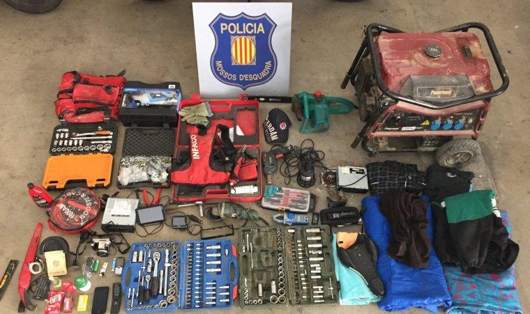 Imatge del material recuperat als dos detinguts