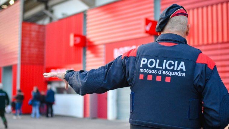 Imatges del seguiment dels Mossos d'Esquadra al partit NÃ stic - Saragossa