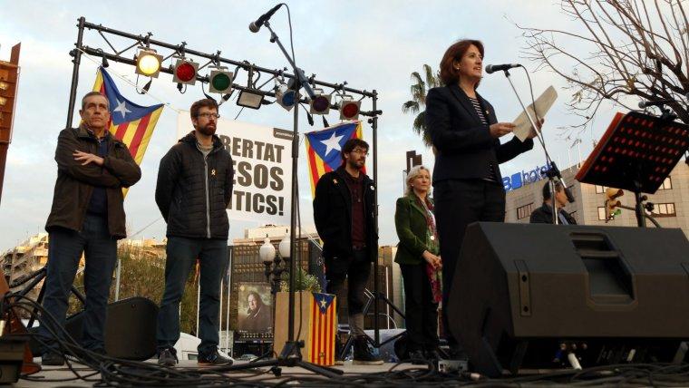 La presidenta de l'ANC, Elisenda Paluzie, durant els parlaments en el concert per la llibertat a Tarragona.