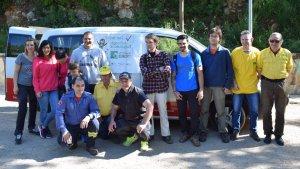 13 voluntaris s'han reunit al punt de trobada per començar la jornada de neteja