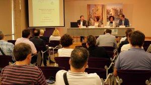 """Desenes de cambrilencs s'han interessat per conèixer l'estudi """"Aproximació al PIB turístic del municipi de Cambrils""""."""