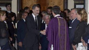 El rey Felipe VI en su salida del funeral de su primo Alfonso Moreno de Borbón
