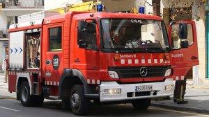 Els bombers s'han traslladat fins al lloc de l'incendi