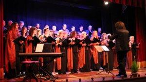 Els cantaires de l'Orfeó Reusenc actuant