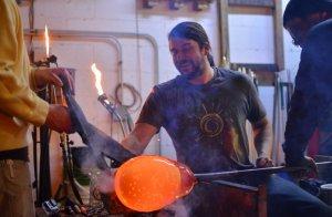 Grant Garmezy és un reconegut vidrier nord-americà que s'inspira en la fauna del seu continent per les seves creacions.