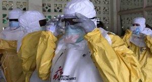 Imagen de archivo de personal de Médicos sin Fronteras trabajando en África