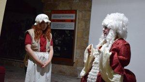 La visita es va realitzar en clau teatral i humorística