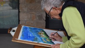 Pels diferents indrets del municipi s'han pogut veure els artistes treballant en la seva obra