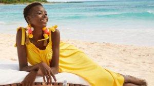 Prendas a todo color en la colección 'Under the sun' de H&M