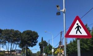 Una de les càmeres instal·lades a l'entrada de Bellaterra des de l'AP-7