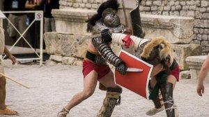 """""""Vita o Morte"""", les imatges de la lluita de gladiadors a Tarraco Viva"""