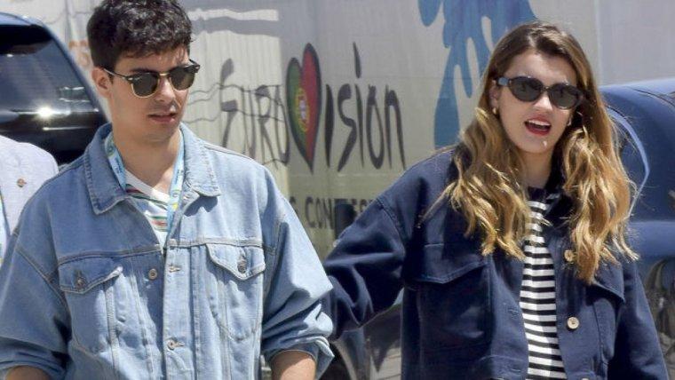 Amaia y Alfred a su llegada de Eurovisión