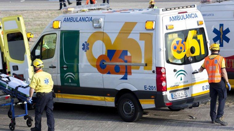 Imagen de archivo de una ambulancia de Andalucía.