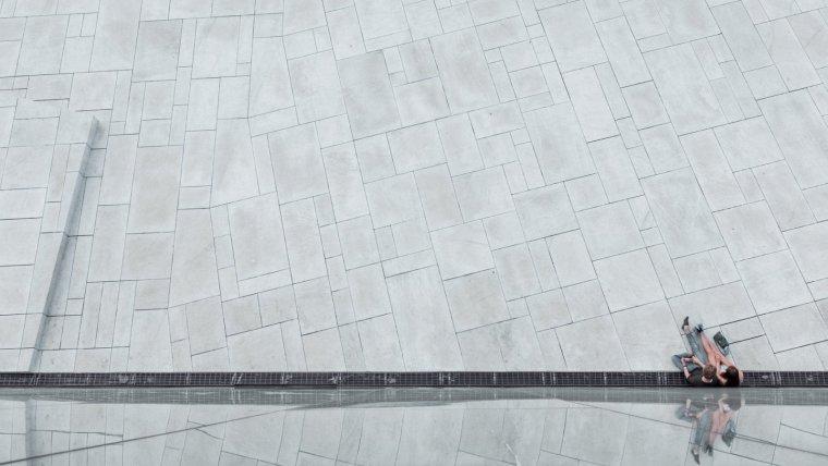 Descubre las características y propiedades de los materiales en Carácter Urbano.