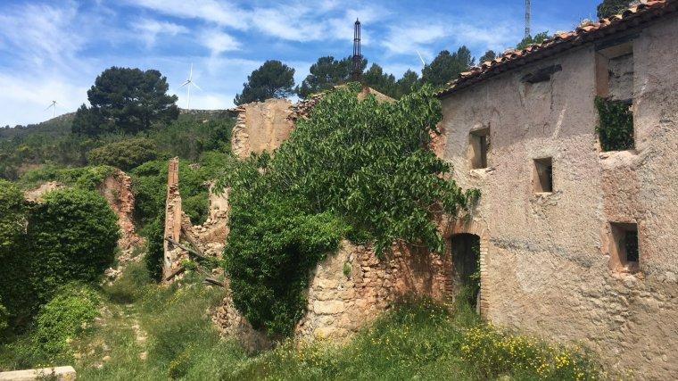 Els últims habitants de Fontscaldetes van marxar del poble als anys seixanta.