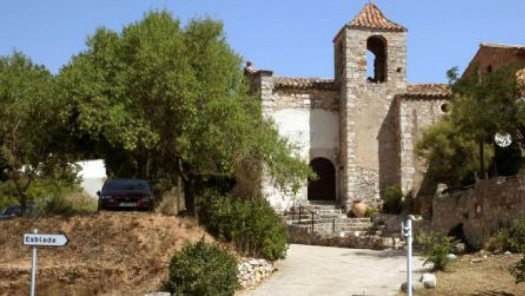 Entrada al poble d'Esblada.