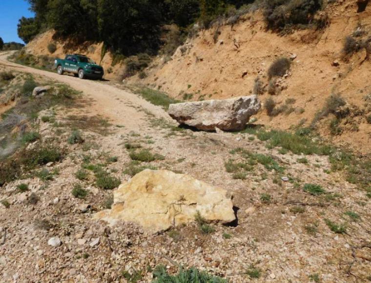 Imatge de les roques al camí