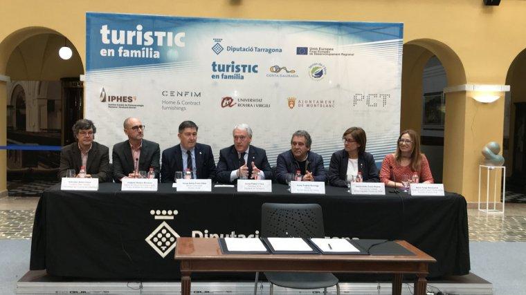 Presentació del projecte PECT turisTIC en família