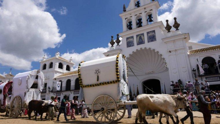 Imagen de archivo de la romería de la Virgen del Rocío, en Huelva.
