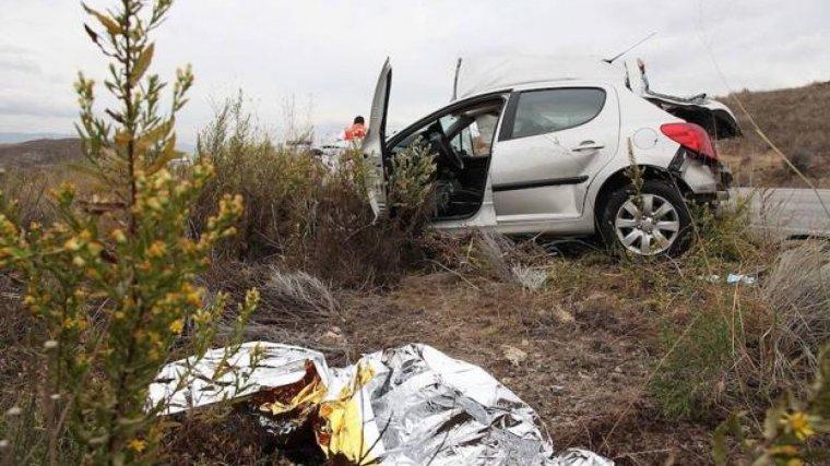 Un hombre fallecido tras un choque frontal en una autovía.