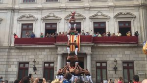 2de8 amb folre dels Xiquets de Reus a la diada de Sant Pere