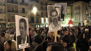 A la manifestació també s'han vist cartells defensant l'alliberament dels presos polítics