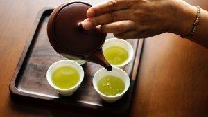 El té verde es muy popular gracias a sus propiedades beneficiosas para la salud.