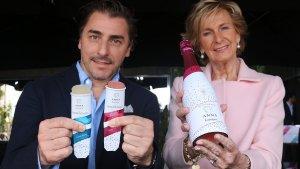 El xef Jordi Roca i la presidenta del grup Codorniu Raventós, Mar Raventós, amb el nou gelat Anna Rock.
