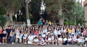 Els estudiants participants amb les autoritats i membres del jurat del Concurs