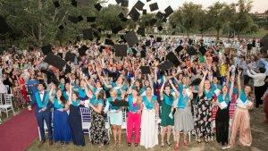 Estudiants del Campus Terres de l'Ebre de la URV, durant l'acte de cloenda del curs 2017