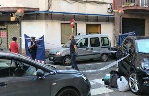 Imatge de l'operatiu d'investigació, al lloc dels fets a Cambrils.