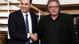 Imatge de Pedro Sánchez al costat dels diputats d'ERC al Congrés: Tardà i Rufián