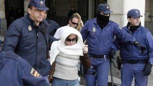 La madre de 'El Cuco' a la salida de uno de los juicios por la muerte de Marta del Castillo