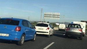 Les cues a la carretera T-11 en sentit Reus han afectat milers de vehicles.