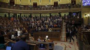 Mariano Rajoy abandona l'estrada del Congrés dels Diputats després de l'última intervenció de dijous, 31 de maig