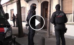 Més de 200 agents van participar en la detenció de la banda, a Nou Barris.