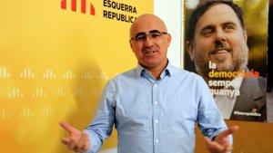 Òscar Peris, cap de llista per Tarragona d'Esquerra, en una imatge a la seu del partit a Valls.